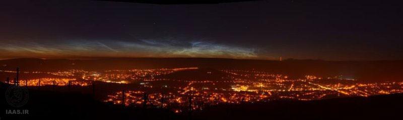 تصویر ابرهای شبتاب بر فراز تپههای پنین در شمال انگلیس از مارک شاو