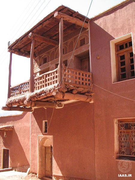 معماری بومی ابیانه