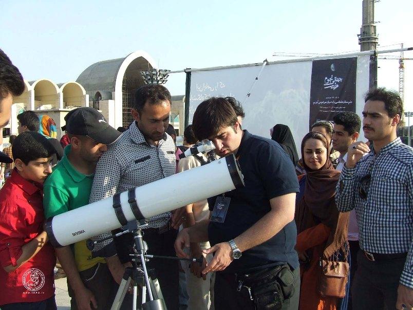 ويژه برنامه روز جهانی ستاره شناسی در محل نمايشگاه بين المللی كتاب تهران-1393