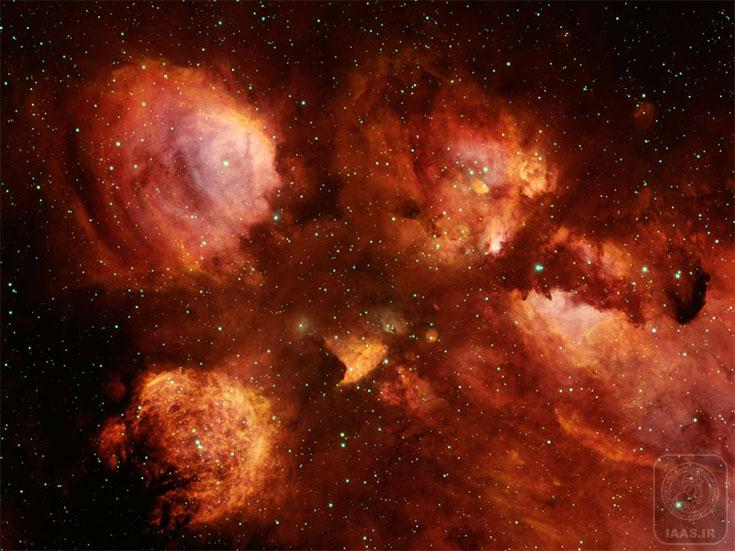 تصويربرداري پاياني سحابي پنجه گربه توسط تلسكوپ 4 متري بلانكو در شيلي . قسمتهاي برجسته تصوير به رنگ قرمز، هيدروژن يونيزه شده از سحابي نشري را نشان مي دهد.