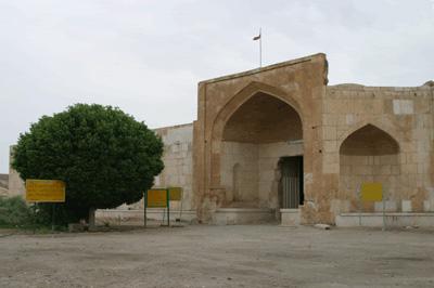 سر در ورودی کاروانسرای قصر بهرام