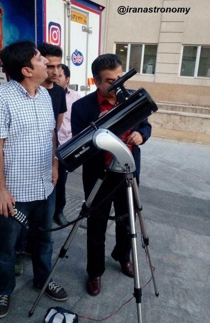 مهندس عتیقی و غنیمت شمردن مشاهده اجرام جذاب آسمانی در مراسم سالگرد تاسیس انجمن