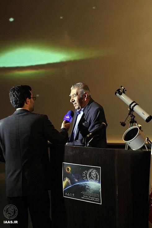 مصاحبه تلویزیونی واحد مرکزی خبر با استاد غزنی قبل از شروع برنامه