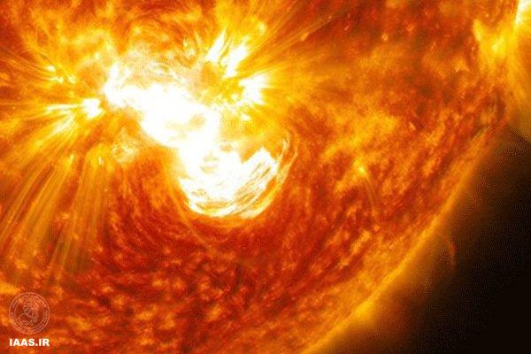 انفجار عظیم لکه خورشیدی